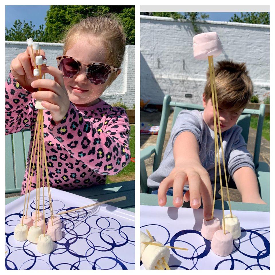 how to do the spaghetti marshmallow game