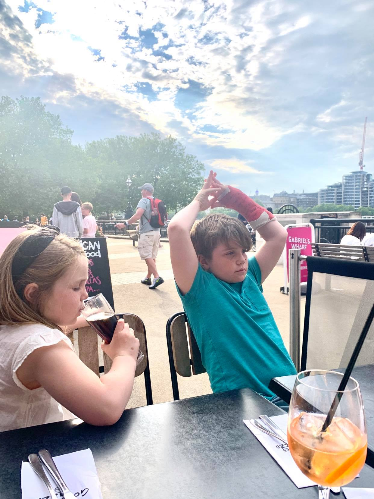 36 hours in london with kids, eating out at the gourmet pizza company, south bank london
