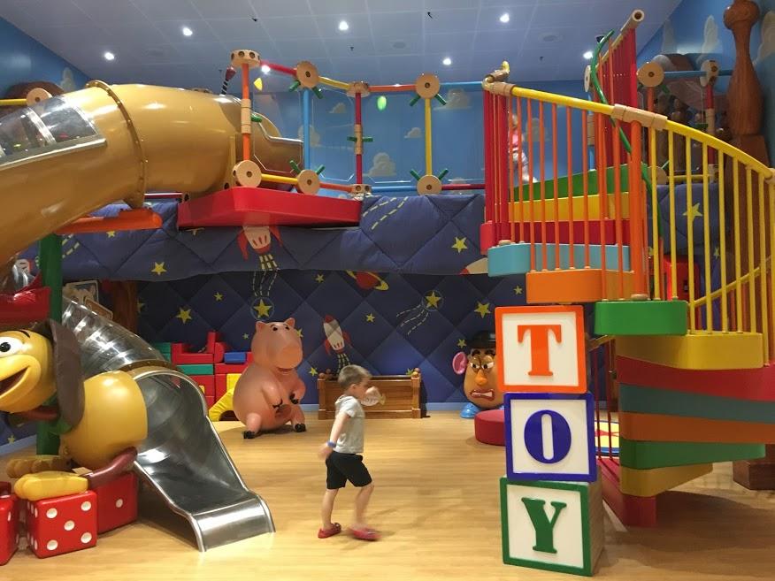 disney cruise  inside the kids club, a suffolk mum blog a uk family review